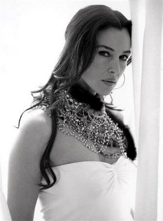 Monica bellucci très hot, sexy ! 1