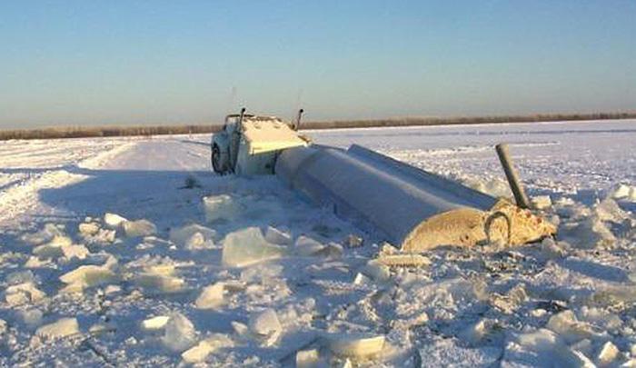 La grande route sur glace du Nunavut